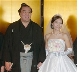日馬富士 嫁.jpg
